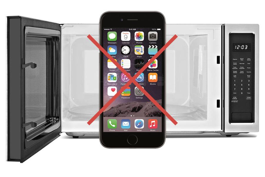 не кладите смартфон в микроволновку