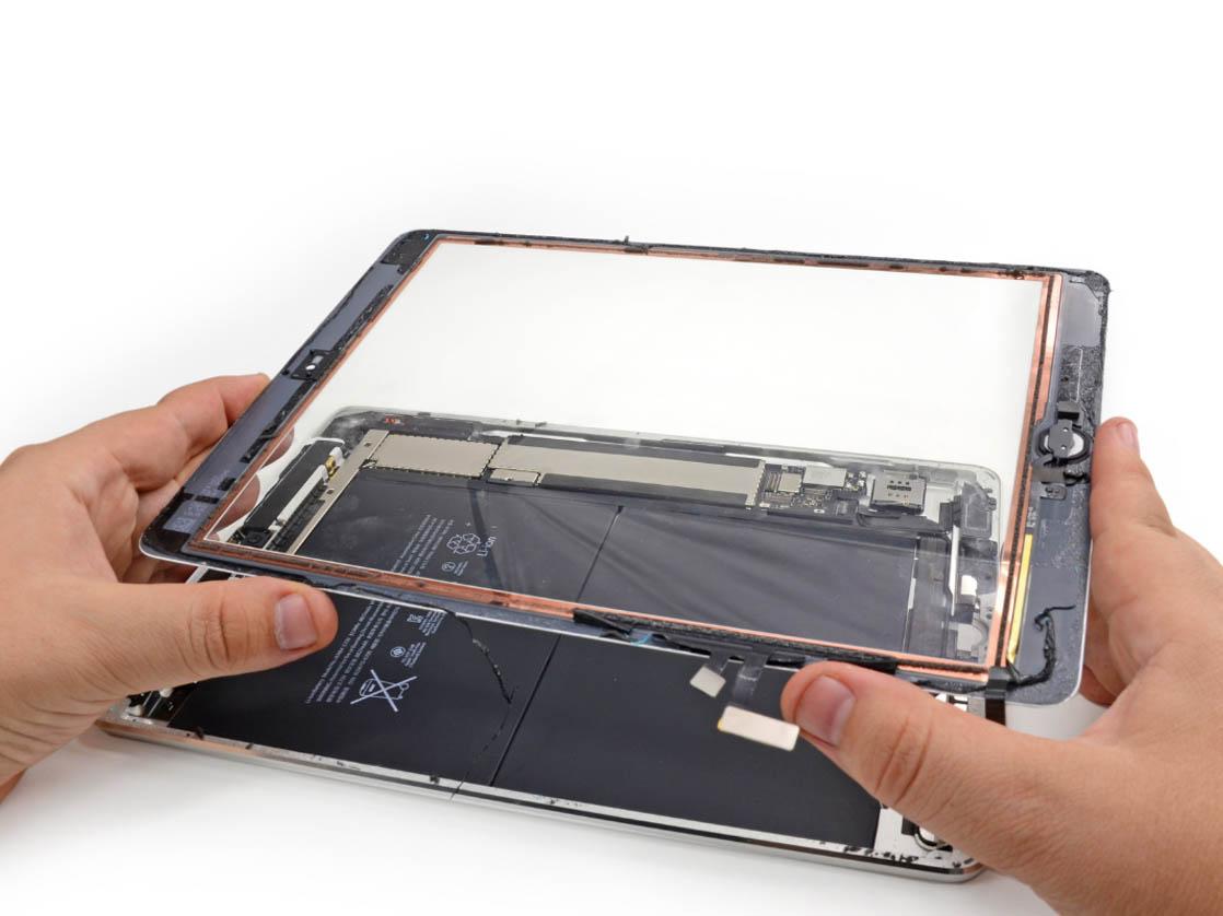 Повреждение экрана iPad Air