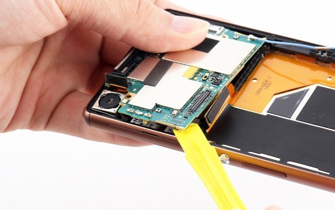 Xperia-Z3-mainboard-out