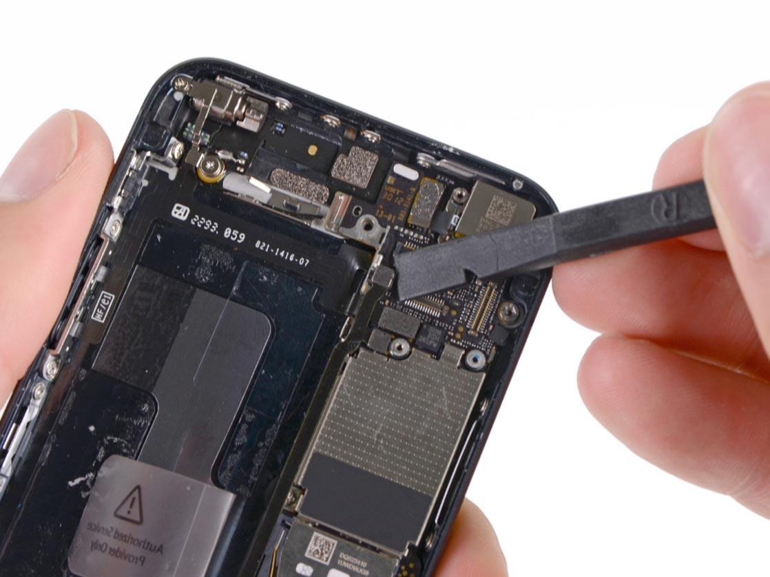 Контроллер питания поломался в айфон 5