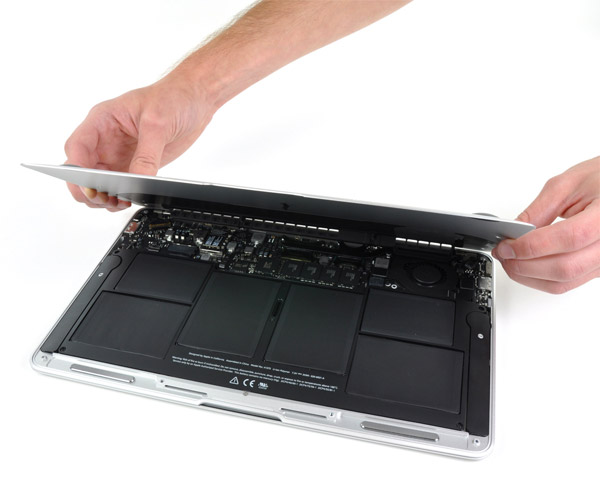 Замена аккумулятора на macbook pro