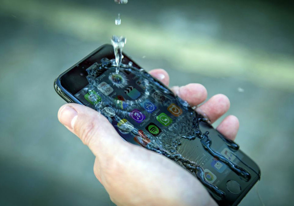 iPhone Xs Max water ressistance