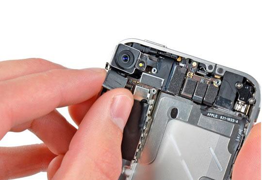 замена стекла камеры iPhone XR