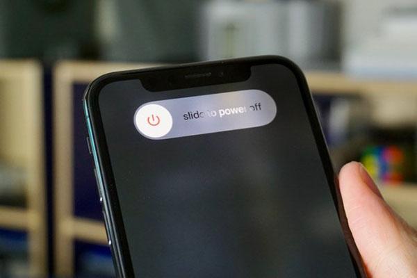 Как выключить айфон