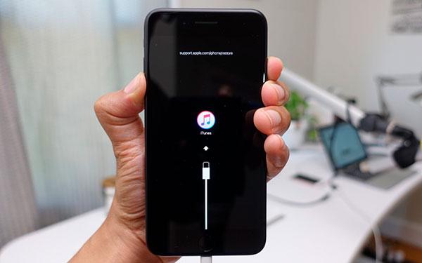 как самостоятельно включить Режим DFU в iPhone XS Max и iPhone XS