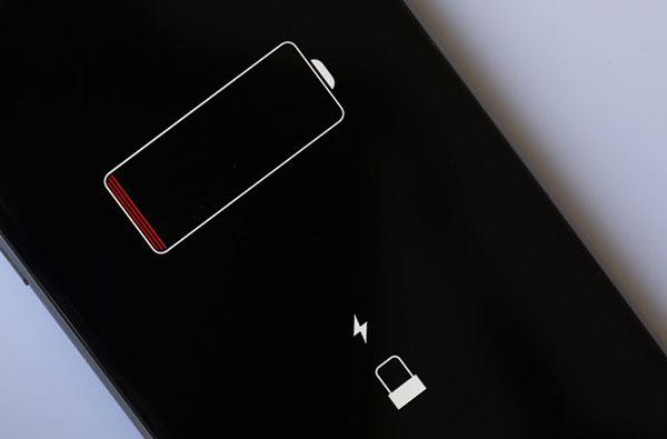 Когда-нужно-заменить-аккумулятор-iPhone-XR