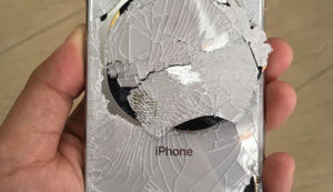 заменить-заднее-стекло-iphone-XS-Max-в-Москве