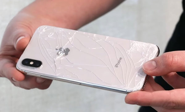Ремонт-задней-стеклянной-панели-айфон-XS-Max