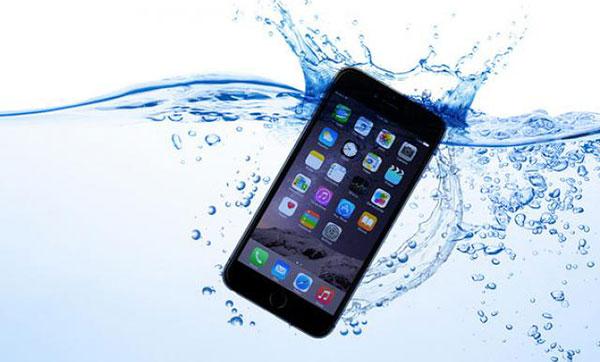 айфон-упал-в-воду-ваши-действия
