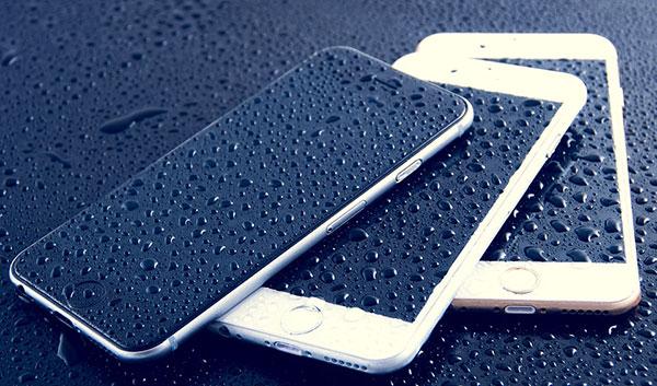 как-ремонтируют-iphone-после-попадания-влаги
