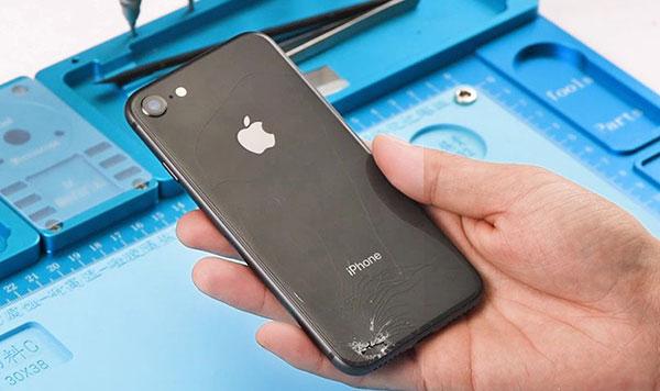 ремонт заднего стекла айфон 8