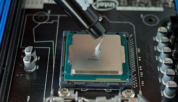 особенности замены термопасты MacBook Pro