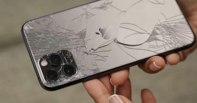 как ремонтируют разбитую заднюю крышку iPhone 11 Pro Max