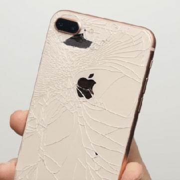 Новогодняя цена замены задней крышки iPhone – 3 000 рублей!