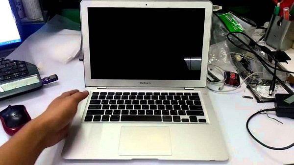 Ремонт Macbook Air, который не включается