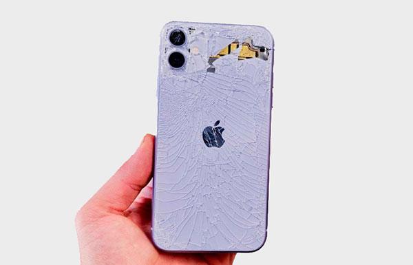 Причины отремонтировать заднюю панель Айфон 11